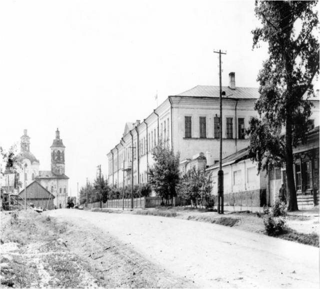 Здание духовного училища (сейчас первый корпус Ишимского педагогического института им.П.П.Ершова)
